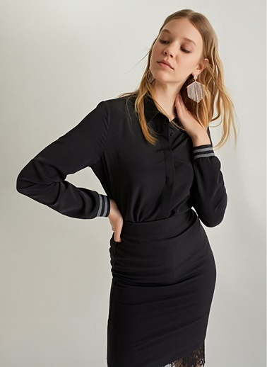 NGSTYLE Ribana Manşet Detaylı Gömlek Siyah